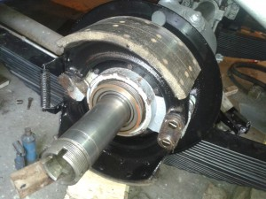 Brakes assembled, awaiting refurbished hub, bearings and oil seal.